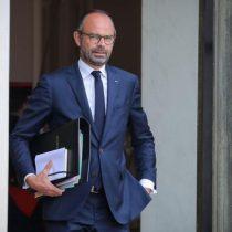 El gabinete francés presenta su dimisión a Macron