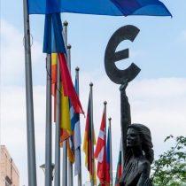 Economía de la eurozona caerá más de lo previsto, en un 8,7%, debido al coronavirus