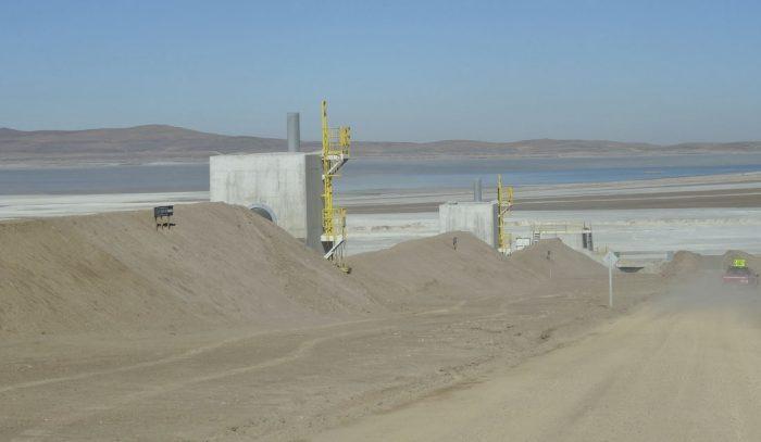 SMA formula grave cargo a Escondida: minera excedió niveles de extracción de agua desde 2005