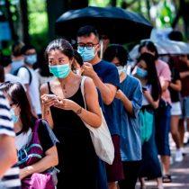 Hong Kong limita reuniones a un máximo de dos personas por rebrote de covid-19