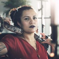 La rapera, socióloga y poeta guatemalteca Rebeca Lane, dará concierto especial para su público chileno vía Zoom