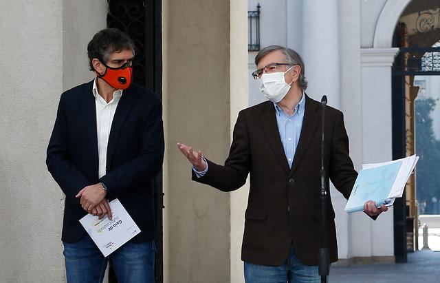 """Las cuentas alegres de Lavín tras su jugada a favor del retiro de fondos: """"Me alegro de haber contribuido"""""""