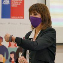 Comienza prueba de pulseras de emergencia que emiten una alerta si mujeres víctimas de violencia están en peligro
