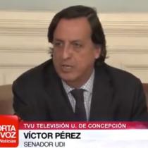 El día en que el flamante ministro del Interior Víctor Pérez (UDI) se opuso a las farmacias populares