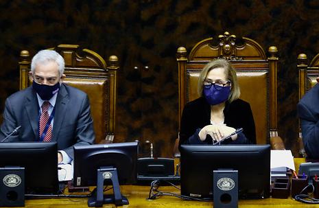 Caso Raúl Guzmán: Presidenta del Senado finalmente se pronuncia y ordena recabar antecedentes para la Comisión de Régimen Interior