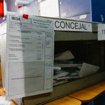 Idea de veto a ley que limita reelección de autoridades divide aguas políticas y La Moneda mantiene el suspenso