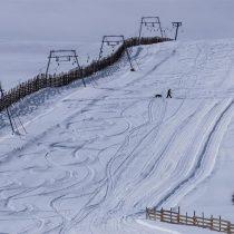 Chile se resiste a dar por perdida la temporada de ski mientras Argentina asume que no abrirán