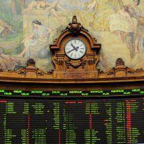 Bolsa de Santiago cierra al alza tras una intensa semana en materia de pensiones