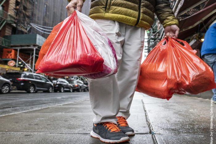 Ley que prohíbe las bolsas plásticas: algunas interrogantes