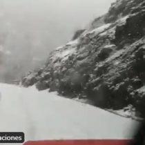 Región de O'Higgins: sistema frontal deja la Carretera del Cobre bajo la nieve