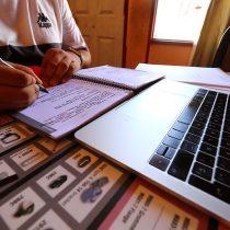 Municipios llaman al Mineduc a decretar receso de clases online por cansancio de comunidad escolar