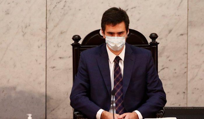 Diputados critican que presidente de la Cámara