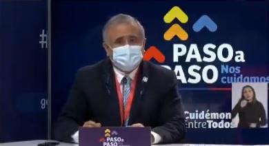 """""""Es una medida apresurada"""": doctor Ugarte mostró oposición al paso de transición para algunas comunas en su intervención en el balance diario del Minsal"""