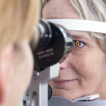 Detectar alzhéimer precoz mirando los ojos