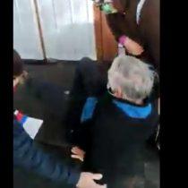 Adulto mayor cae al piso tras recibir portazo en el Conservador de Bienes Raíces de Viña del Mar