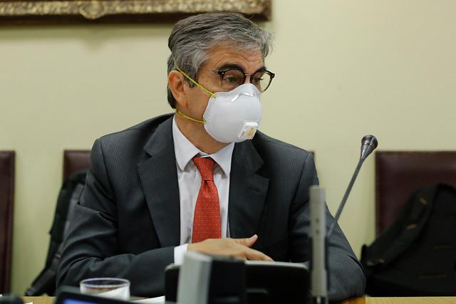"""Mario Marcel entra al debate por el retiro de fondos AFP: """"Ningún sistema de pensiones tiene guardado los recursos en una cuenta corriente o en una bóveda"""""""