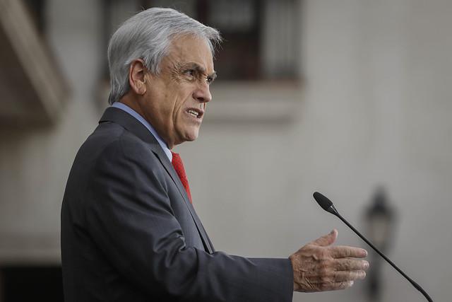 Autoridades expulsaron a ciudadano extranjero que amenazó de muerte a Piñera