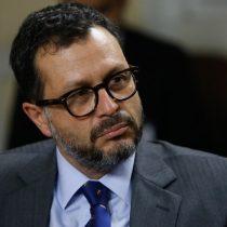 Rodrigo Hinzpeter crítica al oficialismo: