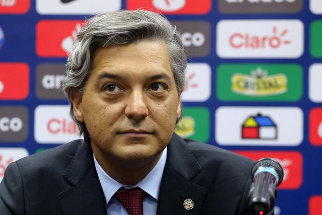 Presidente de la ANFP responde a Guevara por retorno del fútbol: