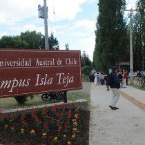 Universidad Austral pide renuncia de contralor de la casa de estudios por vínculo con la CNI