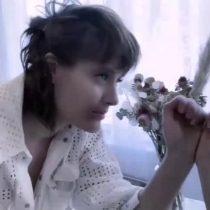 """Bailarín de Rojo, David Sáez lanzó potente video que coreografea el tema """"Canción sin miedo"""" para exponer la violencia de género con destacadas bailarinas, celebridades y víctimas"""