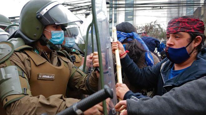 Mapuches en Chile: 4 claves para entender el centenario conflicto que enfrenta al pueblo indígena y el Estado