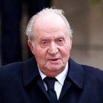 Juan Carlos I abandona España ante denuncias de negocios ocultos en Suiza
