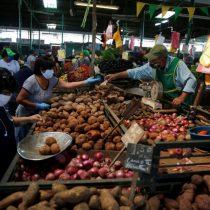 Perú entra en recesión técnica tras contracción de 30,2% entre abril y junio