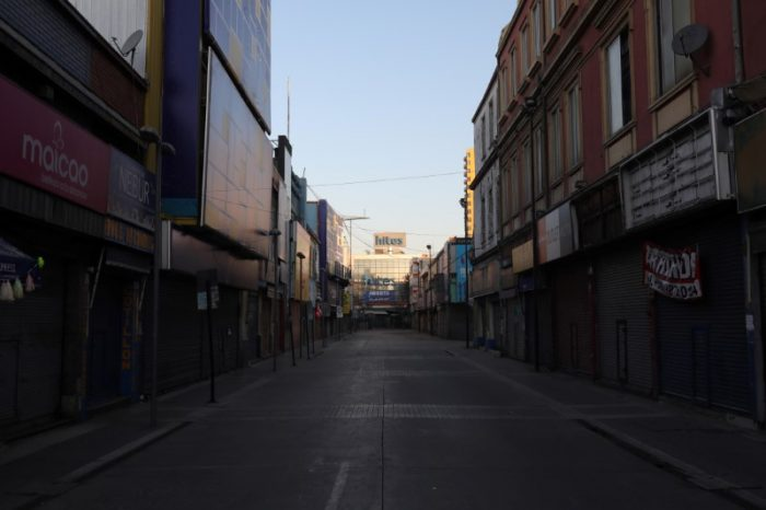 Coronavirus provoca estragos: desempleo en Chile sube al 13,1%, la cifra más alta desde 2010