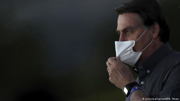 Bolsonaro arremete contra la prensa tras críticas por gestión de la pandemia