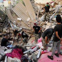 Beirut cuenta a sus muertos entre el caos y los escombros