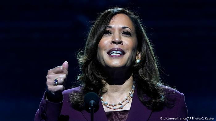 Kamala Harris acepta candidatura demócrata a la Vicepresidencia de EE.UU. y critica a Trump: