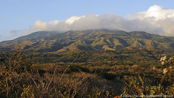 Costa Rica registra inundaciones, un sismo y una erupción en el mismo día