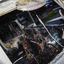 Nuevo ataque incendiario en el sur: queman dos camiones y maquinaria forestal en la Región de Los Ríos
