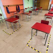 """27 colegios se preparan para el regreso a clases tras término de decreto que suspendía clases en comunas en fase 4 del """"Paso a Paso"""""""
