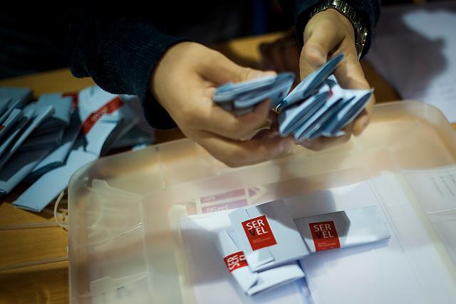 """Oposición presiona para no tocar la fecha del plebiscito y acusa """"doble estándar"""" del Gobierno"""