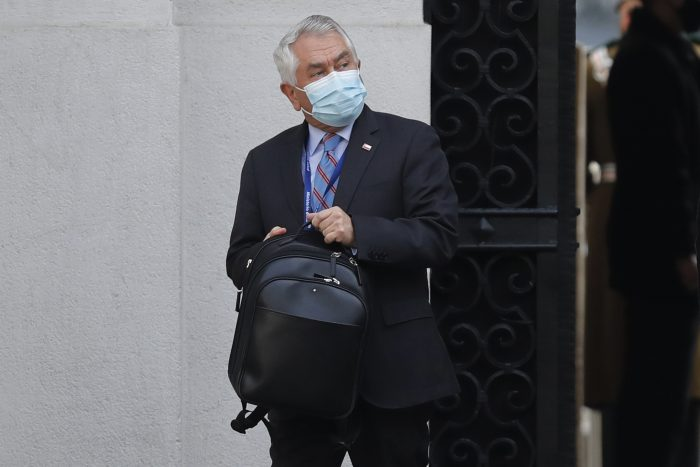 Ministro Paris dice que vacuna contra el covid-19 será gratuita y obligatoria para los grupos de riesgo