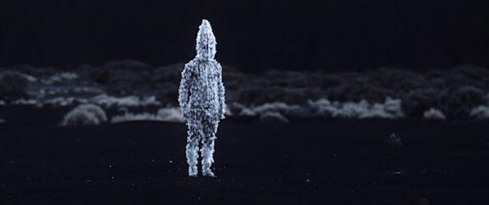 """Théo Court, director de """"Blanco en blanco"""": latifundistas europeos en la patagonia """"En 15 años mataron a 5.000 seres humanos"""""""