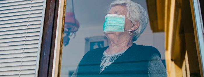 Tras cinco meses de confinamiento, los adultos mayores se han quedado en casa, pero con hambre y solos