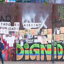 La memoria de las murallas: proyecto web rescata registro gráfico del estallido social plasmado en la Alameda