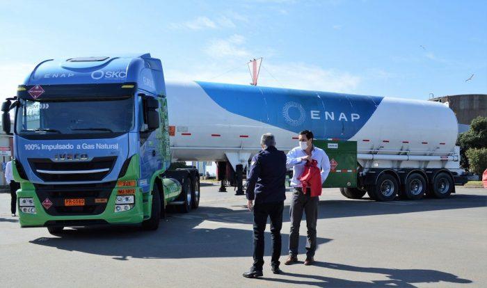 Comienza a operar primer camión de transporte de ENAP que utiliza Gas Natural Licuado