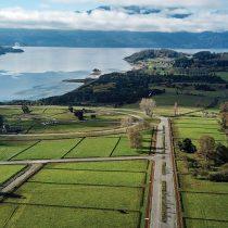 El enjambre de sociedades y figuras de la farándula tras el sancionado megaproyecto Bahía Panguipulli