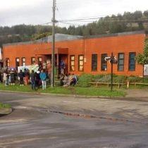 Cerca de 100 personas se tomaron la Municipalidad de Tirúa en señal de solidarización al pueblo mapuche