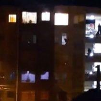 Vecinos se manifestaron contra la madre de Ámbar Cornejo y atacaron su departamento en Limache
