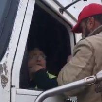 Camioneros amenazan con golpear a uno de sus colegas para que se una al paro que fue iniciado esta mañana