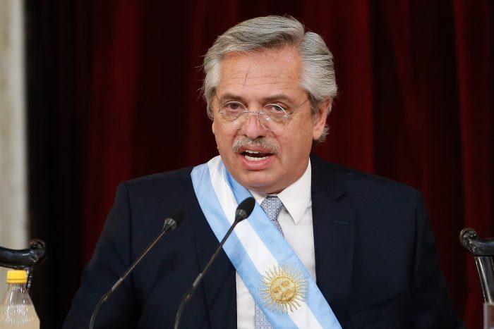 Argentina logra aval para reestructurar su deuda y salir del cese de pagos
