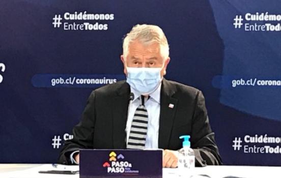 Paris se parapeta: ministro defiende gestión interna en el Minsal y pide mesura a centros de estudio que alertan por alza de contagios