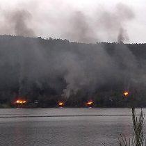 Nuevo atentado incendiario en lago Lanalhue deja cuatro cabañas destruidas