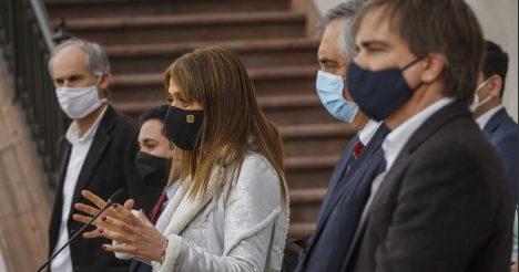 Eventual aplazamiento de elección de gobernadores y eliminación de inhabilidades: las claves de la cita entre el Presidente y Chile Vamos