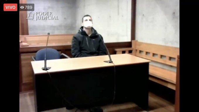 """Claudio Crespo, el exoficial de Carabineros en prisión preventiva por disparar a Gustavo Gatica: jueza estima que actuó con """"ánimo de causar una lesión grave"""" y que es un """"peligro para la sociedad"""""""